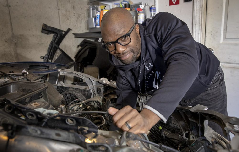 Can I Fix My Own Car With Insurance Money – Do I Have To?