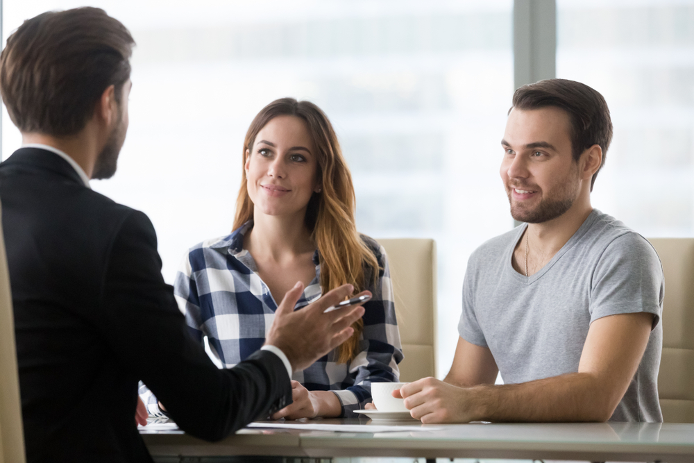 how to talk to insurance claims adjusters