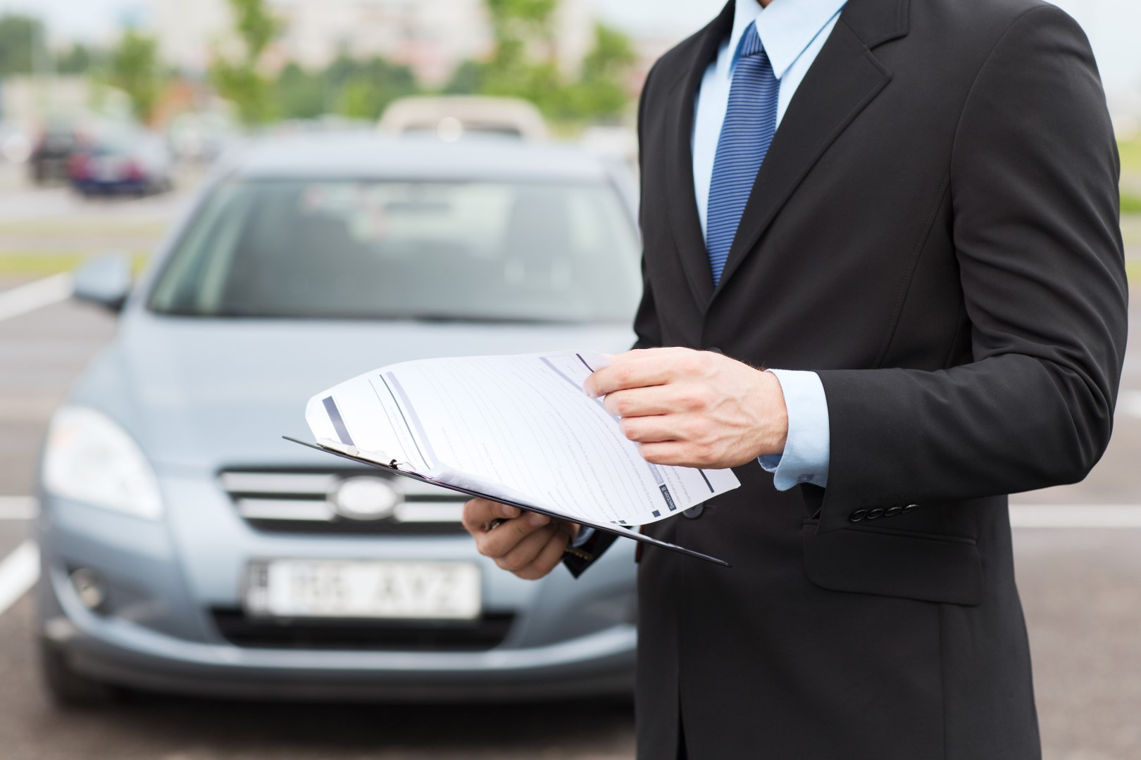 What Do Car Insurance Adjusters Look For?