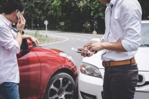 can insurance adjusters lie to you