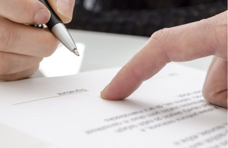 Should I Show My Contractor My Insurance Estimate – Is It Advisable